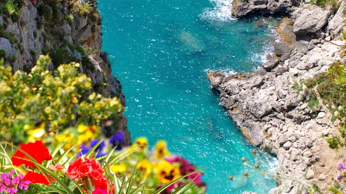 Our private guide will take you to the most interesting and secret corners of Capri