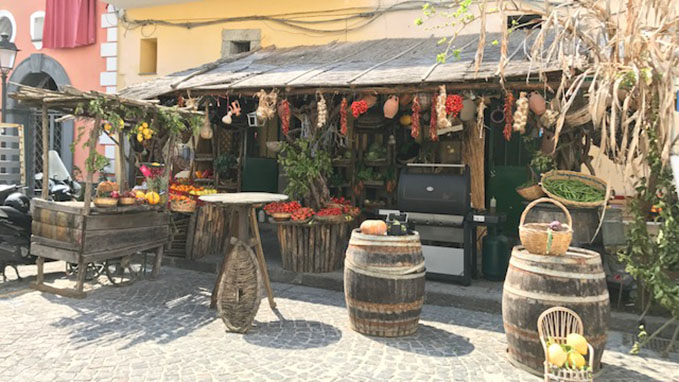 See the largest and more developed Island of the gulf of Naples, Ischia and taste its flavors.