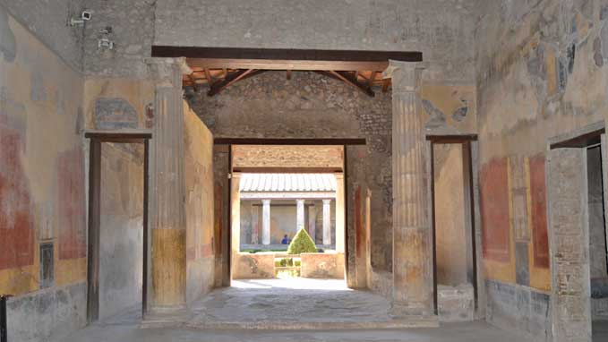 This 3 hours tour includes all you must see in Pompeii, including the pleasure houses and the theatre
