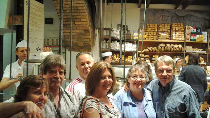 Visit the old authentic bakeries to taste the many varieties of bread and pizza made in Rome